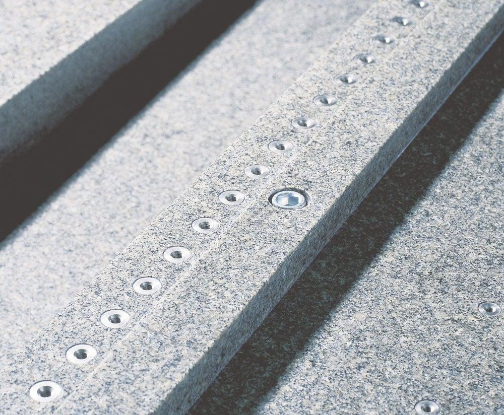reitz-naturstein_granit-verschraubungen